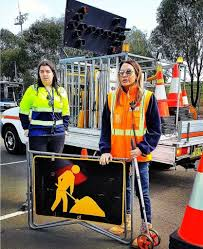 How Female Traffic Controllers Increase Safety 3
